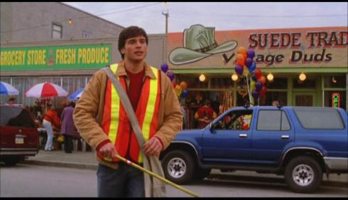 Good thing this show has a good special effects budget, or we'd have to endure a series where Clark Kent cleans Smallville.