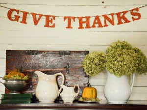 Original_Marian-Parsons-Thanksgiving-Give-Thanks-Banner-Beauty1_s4x3