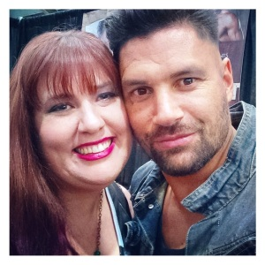 the delightful Manu Bennett, of Arrow and Spartacus fame, Wizard World Sacramento June 20, 2015